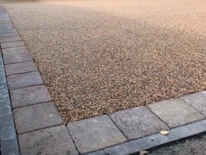 Resin bonded driveway installed cambs paving cambridgeshire